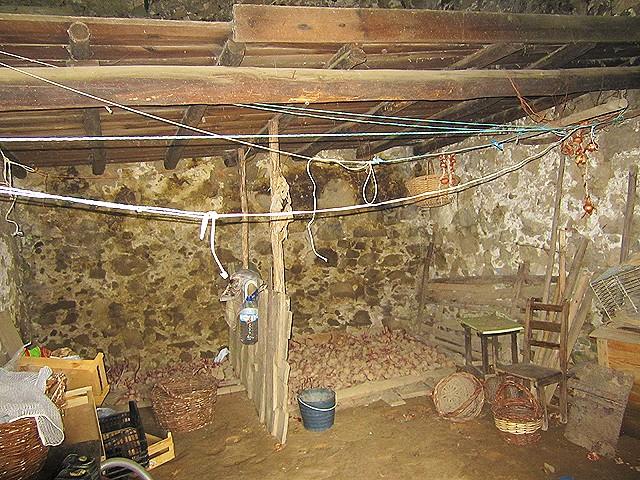 Farmhouse_Monchique_for_sale_large