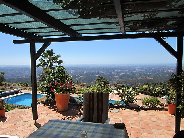 For_sale_in_Monchique_3_bedroom_villa_with_guesthouse_and_pool_large