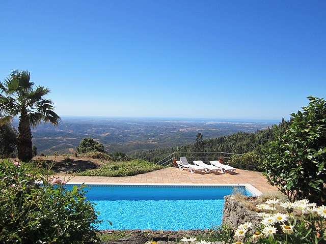 For_sale_in_Monchique_Algarve_villa_with_pool_large
