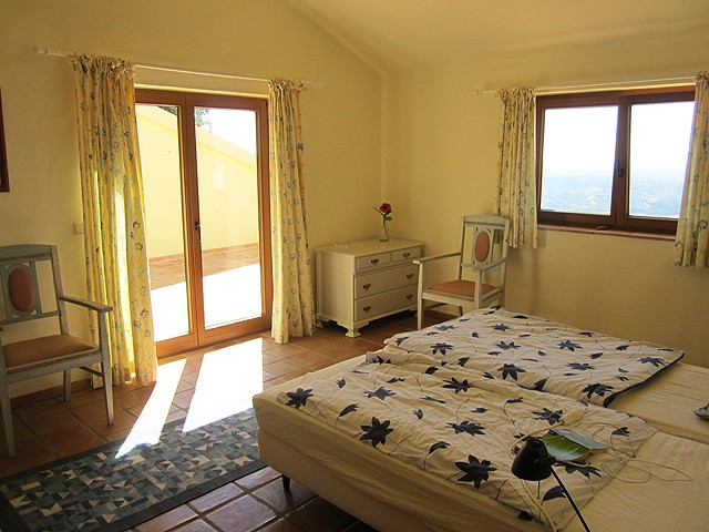 Real_Estate_Monchique_for_sale_3_bedroom_villa_with_guesthouse_and_pool_large
