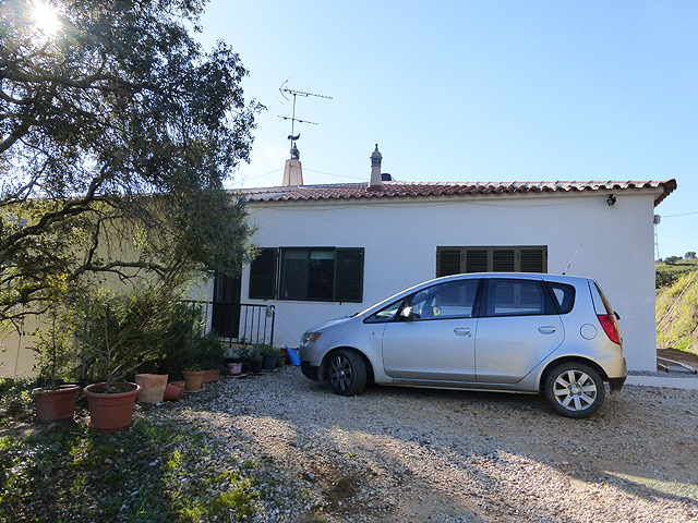Silves_villa_with_pool_for_sale_large