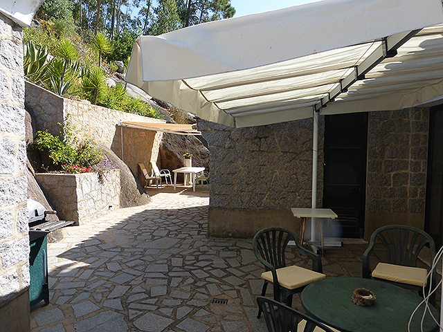 Monchique villa with pool for sale