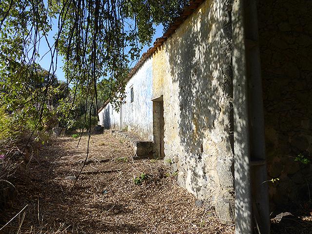 Ruin near Monchique for sale