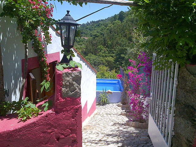 Traditional farmhouse with guesthouse for sale near Monchique