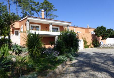 Villa with pool above Caldas de Monchique for sale
