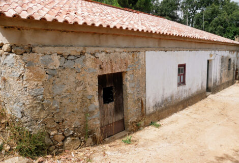 Partially renovated countryhouse in Monchique for sale